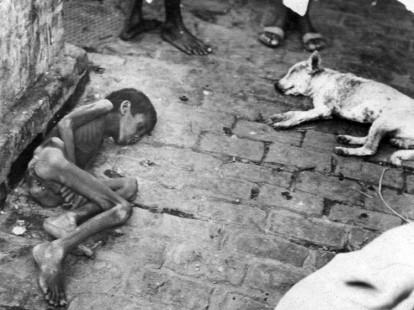 Un bambino morto durante la carestia di Winston Churchill (1943)
