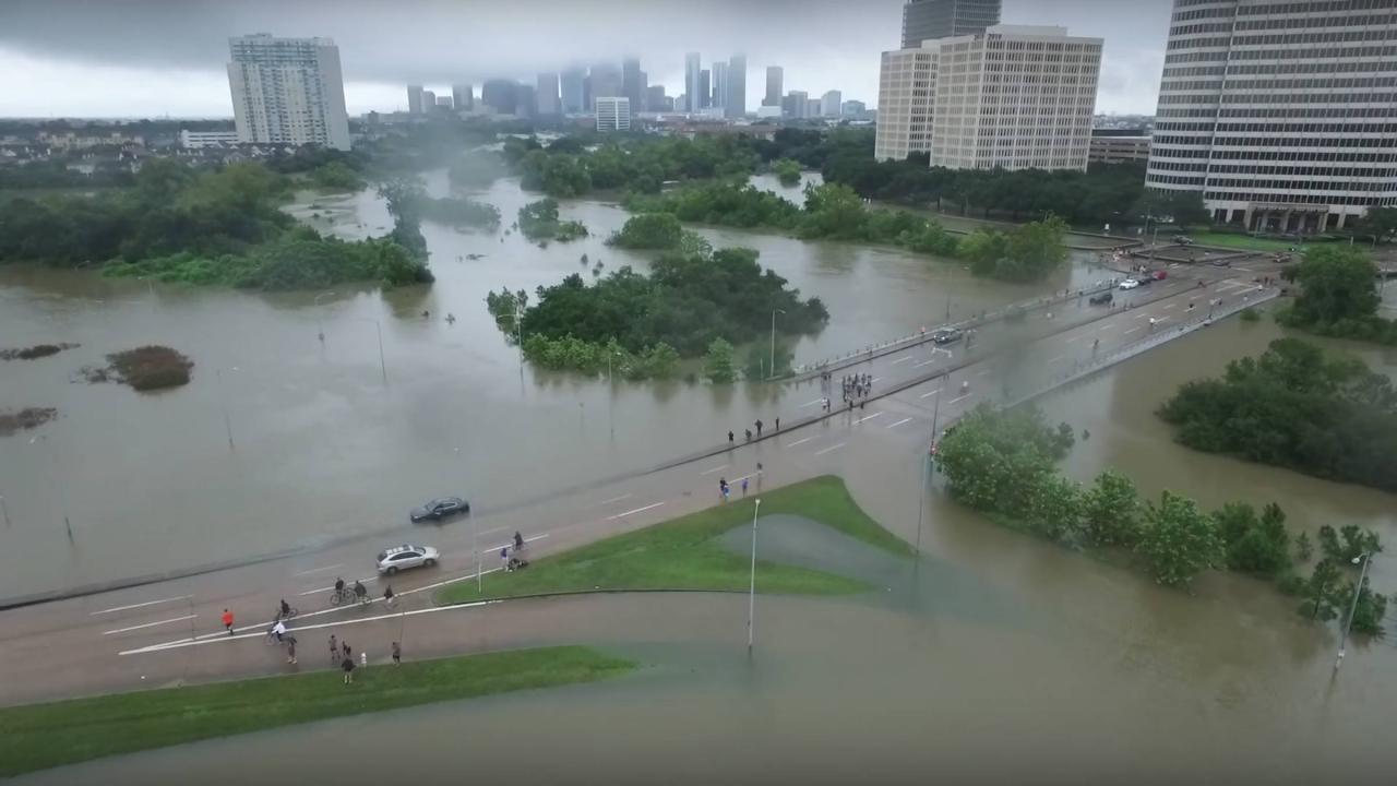Il disastro di Houston sia l'ultimo! LaRouche sulle misure urgenti da prendere
