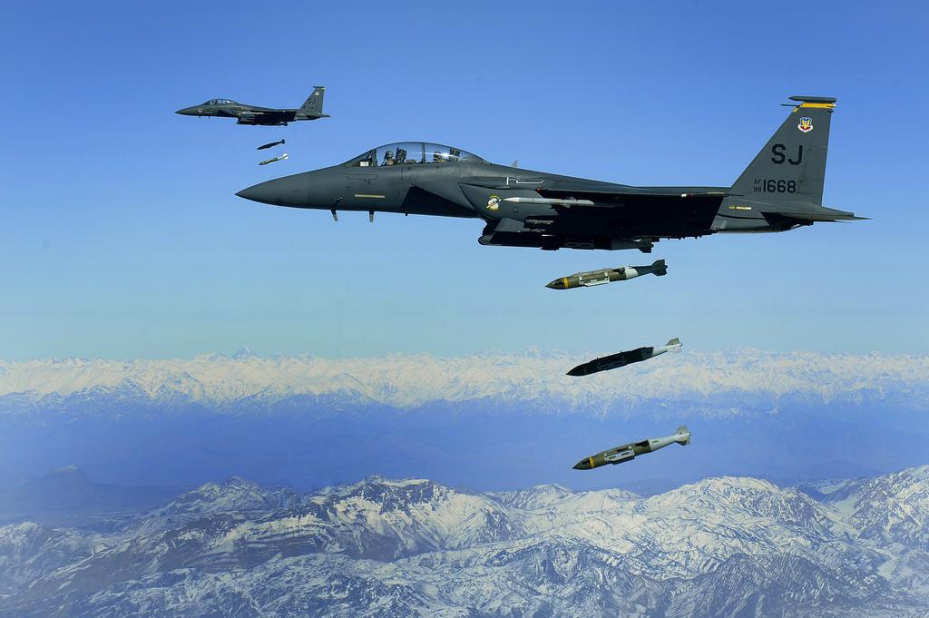 Israele lancia nuovi attacchi aerei in Siria
