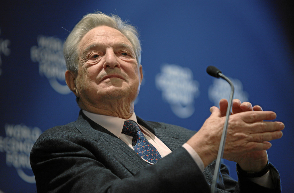 La macchina Soros-UE dietro la trappola di Moscopoli