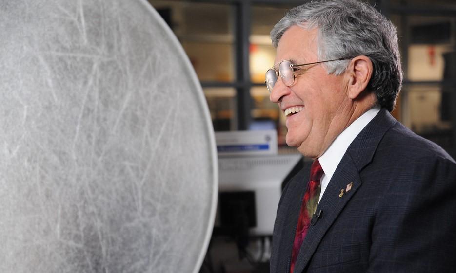L'ex astronauta Schmitt: gli insediamenti sulla luna sono solo l'inizio